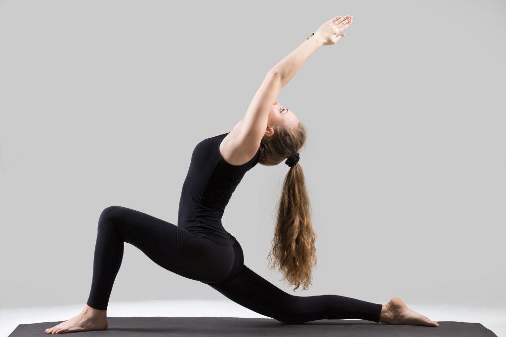 tu-the-yoga-trang-luoi-liem